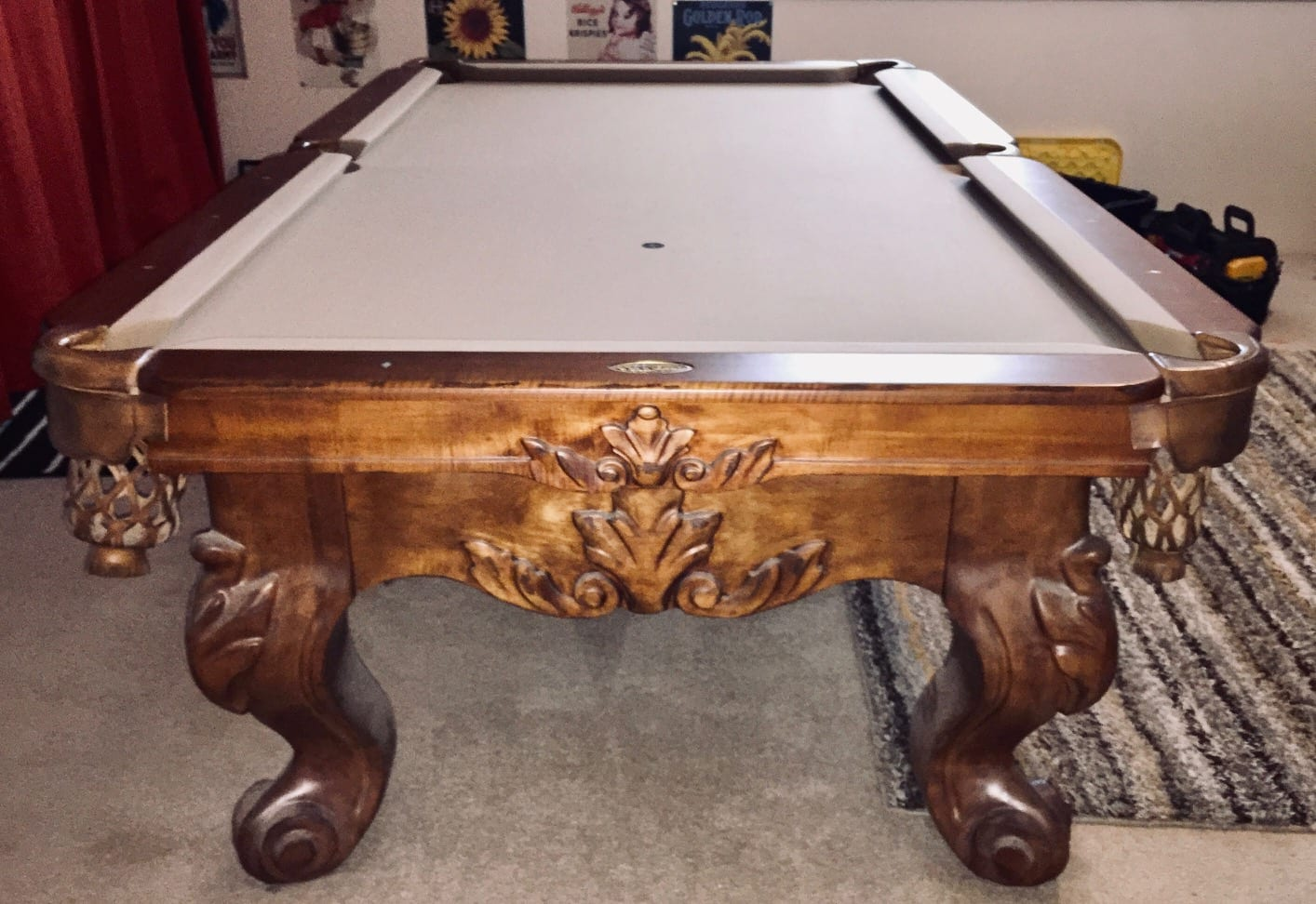 Connelly Biltmore Pool table